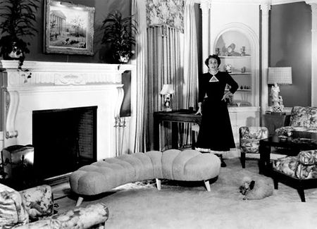 Joan-crawford-at-home-in-los-angeles-c-1949